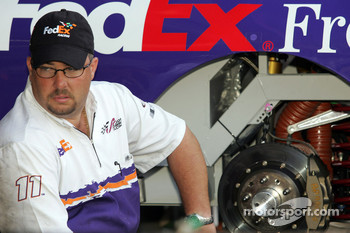 Fedex Chevy crew member