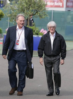 Patrick Head and Bernie Ecclestone