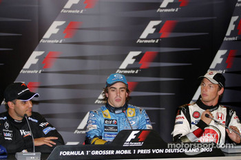 Press conference: race winner Fernando Alonso with Juan Pablo Montoya and Jenson Button