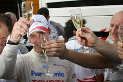 Ralf Schumacher celebrates podium finish