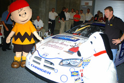 Bill Elliott unveil the Charlie Brown Christmas Dodge