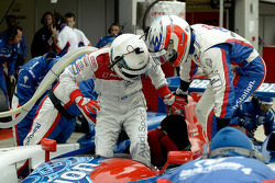 Pitstop practice for #4 Audi Playstation Team Oreca Audi R8: Stéphane Ortelli, Allan McNish