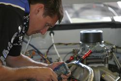 Alltel Dodge crew member at work