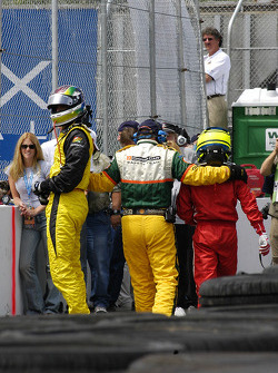 Justin Wilson and Cristiano da Matta out of their car