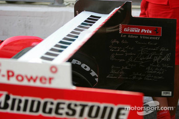 Signed rear wing on the Ferrari