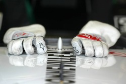 Gloves of Takuma Sato