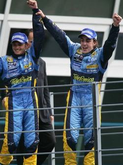 Podium: Fernando Alonso and Giancarlo Fisichella