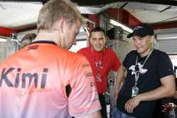 Kimi Raikkonen talks with Paolo Coloni and Toni Vilander