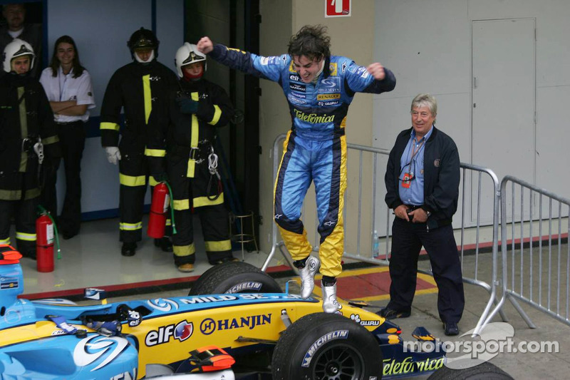 [Imagen: f1-brazilian-gp-2005-2005-world-champion...brates.jpg]