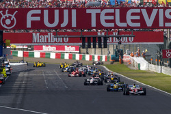 Ralf Schumacher leads the field under yellow