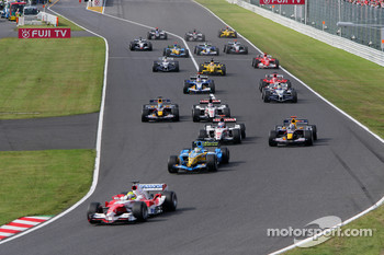 Start: Ralf Schumacher leads the field