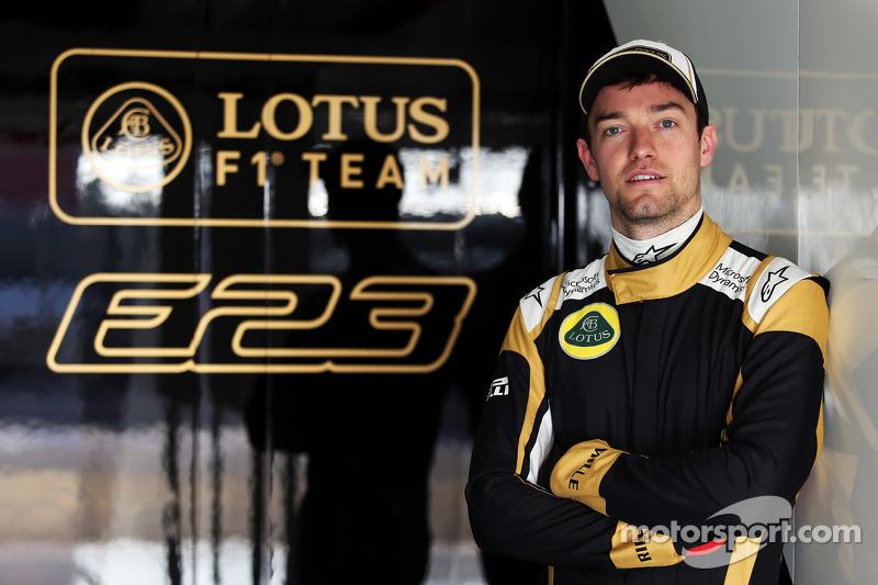f1-barcelona-february-testing-2015-jolyon-palmer-lotus-f1-team-test-and-reserve-driver