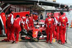 Sebastian Vettel, Ferrari SF15-T in the pits