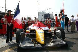 The car of Sébastien Bourdais on the starting grid