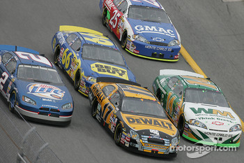 Kurt Busch, Matt Kenseth and Sterling Marlin go three wide