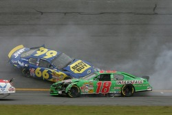 Accident between Jeff Green and J.J. Yeley