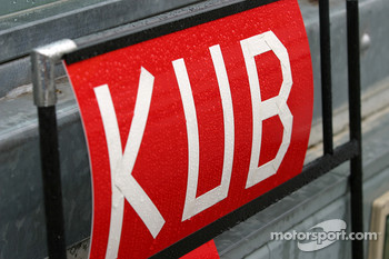 Pitboard for Robert Kubica