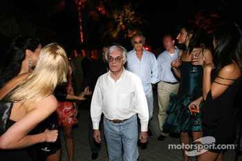 Bernie Ecclestone and Flavio Briatore join in the party