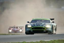 #009 Aston Martin Racing Aston Martin DB9: Jason Bright, Pedro Lamy, Stephane Sarrazin goes back into the race
