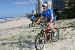 Red Bull fitness training in Surfers Paradise: Red Bull Racing trainer James Miligan