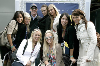 Robert Doornbos with Formula Unas girls