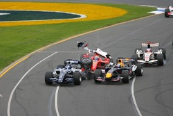 First corner: crash between Nico Rosberg, Felipe Massa and Christian Klien