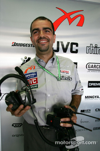 MF1 engineer Jose Santos