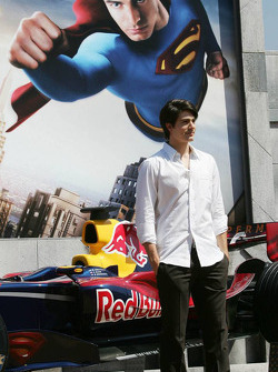 Actor Brandon Ruth promoting Superman Returns