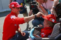 Michael Schumacher meets a fan