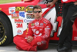 Reed Sorenson waits to qualify