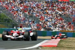 Ralf Schumacher leads Christijan Alber