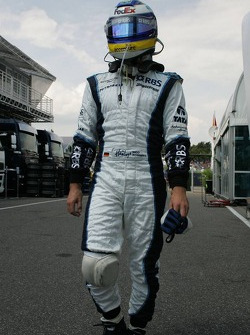 Nico Rosberg out of the race
