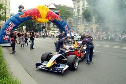Running bulls rendez-vous in Budapest: Robert Doornbos with his crew