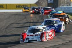 #01 CompUSA Chip Ganassi with Felix Sabates Lexus Riley: Scott Pruett, Luis Diaz leads a group of cars