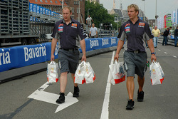 Midland F1 team members back from McDonald's