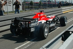 Christijan Albers does a demo run