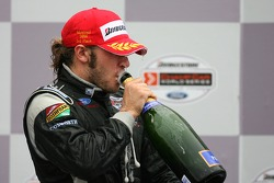 Podium: champagne for Nelson Philippe