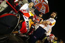 MotoGP 2015 Motogp-qatar-gp-2015-marc-marquez-repsol-honda-team