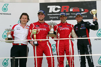 Podium: race winner Jordi Gene, second place Pepe Oriola, third place Gianni Morbidelli