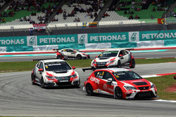 Pepe Oriola, SEAT Leon Racer, Craft Bamboo Racing LUKOIL, und Gianni Morbidelli, Honda Civic TCR, West Coast Racing