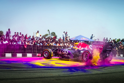 David Coulthard, Red Bull Racing performs at the Red Bull Show Run 2015 at Necklace Road in Hyderabad, India