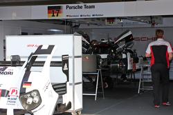 #17 保时捷车队919 Hybrid: 迪莫·伯哈德,马克·韦伯,布兰登·哈特利