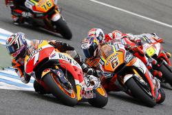 MotoGP 2015 Motogp-spanish-gp-2015-hiroshi-aoyama-repsol-honda-team-and-loris-baz-forward-racing-yamah