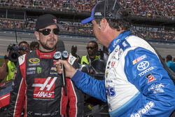 Kurt Busch, Stewart-Haas Racing Chevrolet and Michael Waltrip