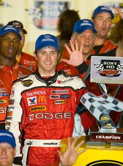 Kasey Kahne celebrates his fifth win of 2006