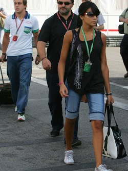 Fernando Alonso and girlfriend Raquel Rosario