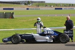 Narain Karthikeyan stopped on track