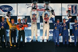 LMP1 podium: class and overall winners Allan McNish and Rinaldo Capello, with second place Stefan Johansson, Johnny Mowlem and Haruki Kurosawa, and third place Duncan Dayton, Memo Gidley and Vitor Meira