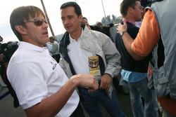 Fernandez Racing Lowe's Acura Lola LMP2 presentation: Adrian Fernandez talks with members of the media