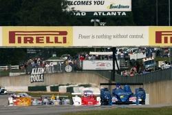 #88 Creation Autosportif Creation CA06/H-01 Judd: Nicolas Minassian, Harold Primat, Jamie Campbell-Walter leads the field